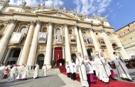 Pope Francis at canonization Mass: 'Jesus is radical'