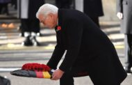 WWI memorial: German president lays wreath, attends service in London