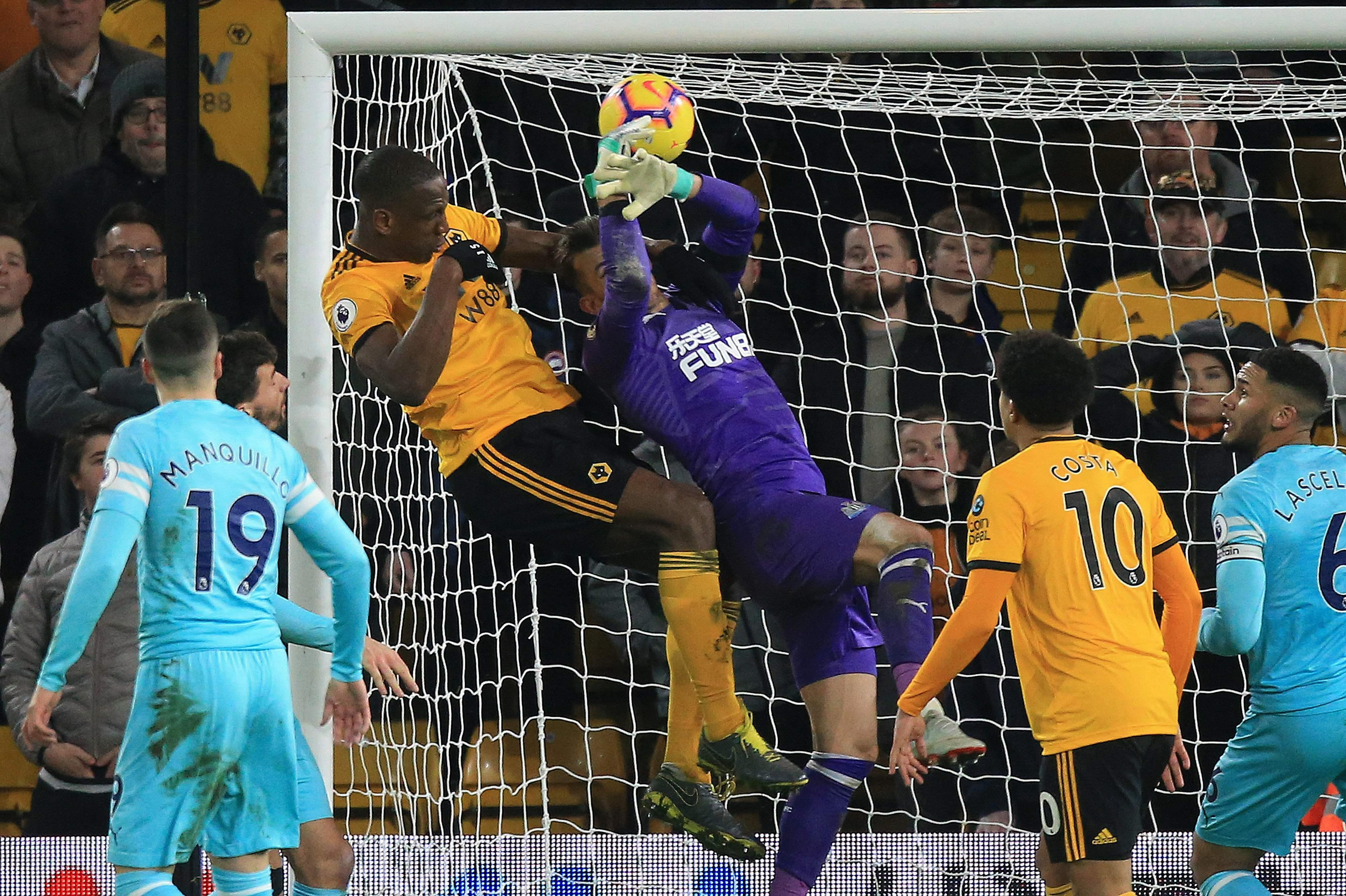 Premier League: Newcastle denied vital win by controversial equalizer at Wolves