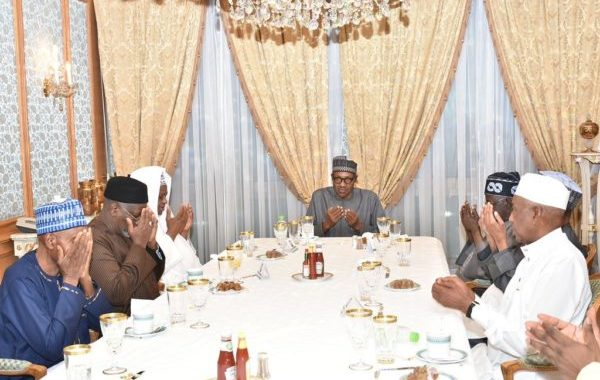 Buhari challenges wealthy Nigerians on investment