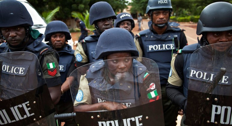 Bus conductor lands in trouble for punching policeman