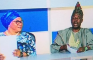 Amosun reads news on OGTV to sign out as governor