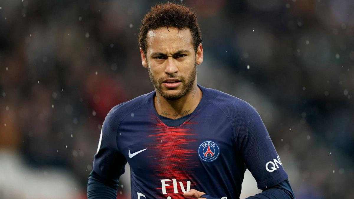Neymar left out of Paris St-Germain squad for second week running
