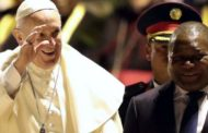 Jubilant crowds welcome the Pope to Mozambique